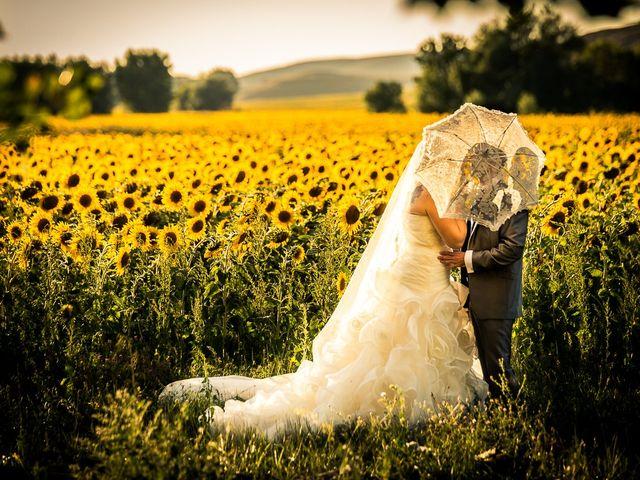 La boda de Javier y Irene en Berlanga De Duero, Soria 18