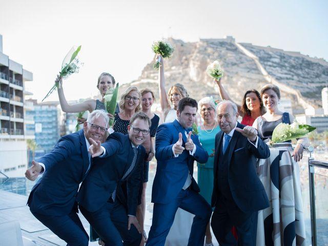 La boda de Sophie y Mario en Alacant/alicante, Alicante 13