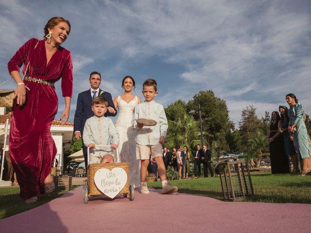 La boda de Antonio y Miriam en Urbanización Campoamor, Alicante 15