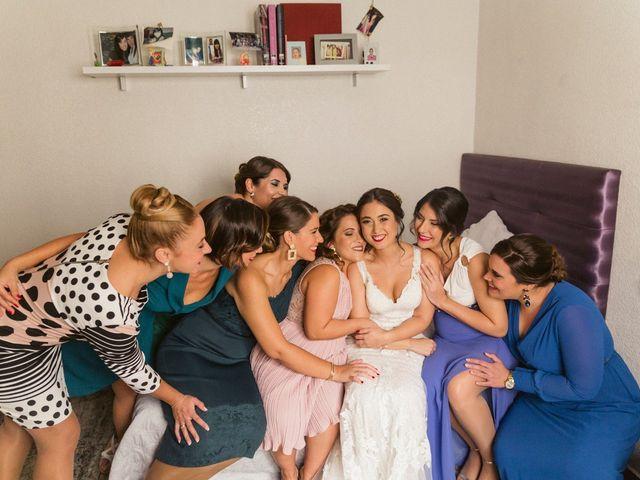 La boda de Antonio y Miriam en Urbanización Campoamor, Alicante 17