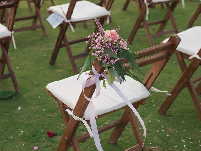 La boda de Antonio y Miriam en Urbanización Campoamor, Alicante 30