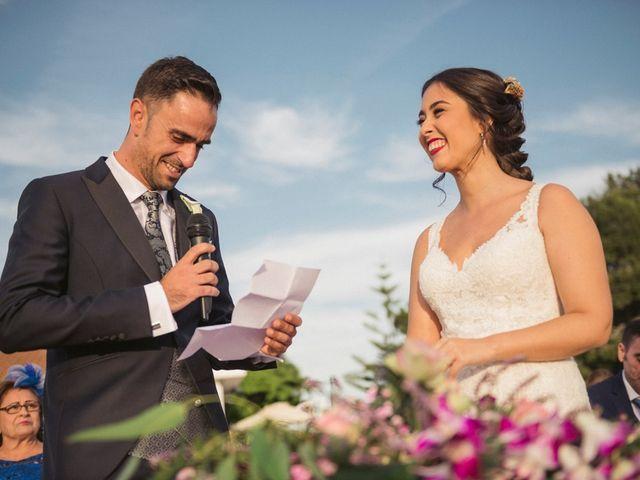 La boda de Antonio y Miriam en Urbanización Campoamor, Alicante 33