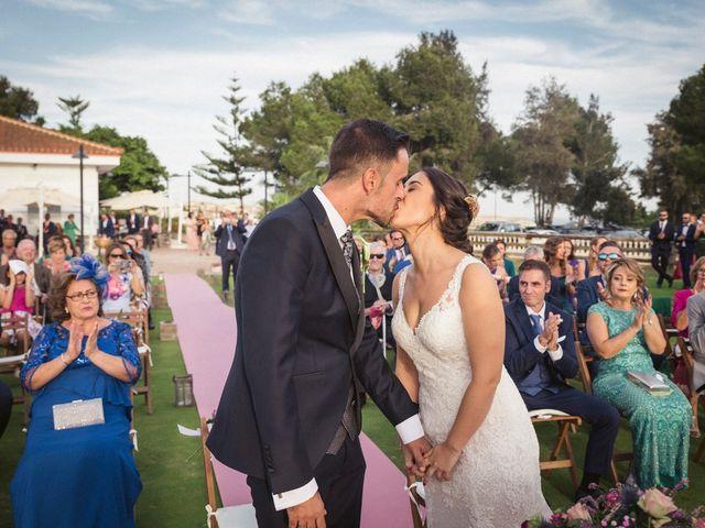 La boda de Antonio y Miriam en Urbanización Campoamor, Alicante 37