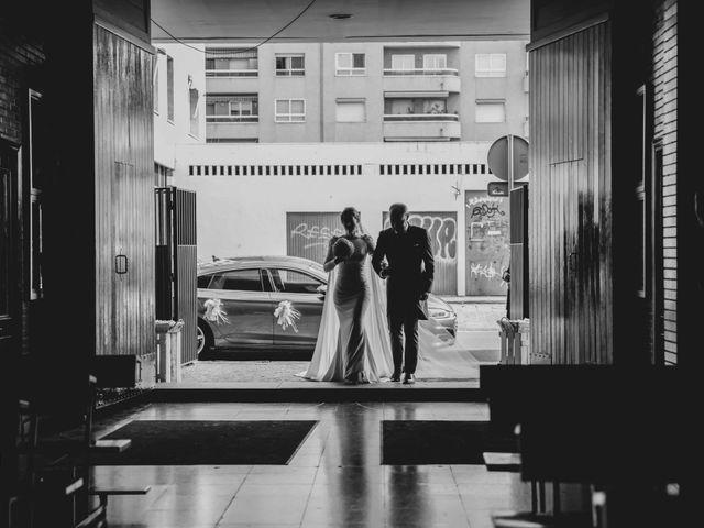 La boda de Juan y Marta en Salteras, Sevilla 59