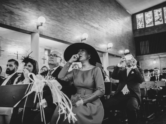 La boda de Juan y Marta en Salteras, Sevilla 76