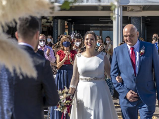 La boda de Raúl y Amanda en Valencia, Valencia 23