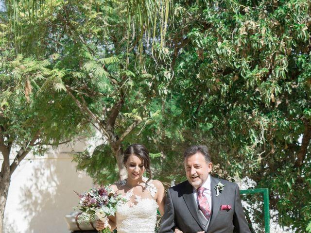 La boda de Hazma y Marta en Dos Hermanas, Sevilla 24