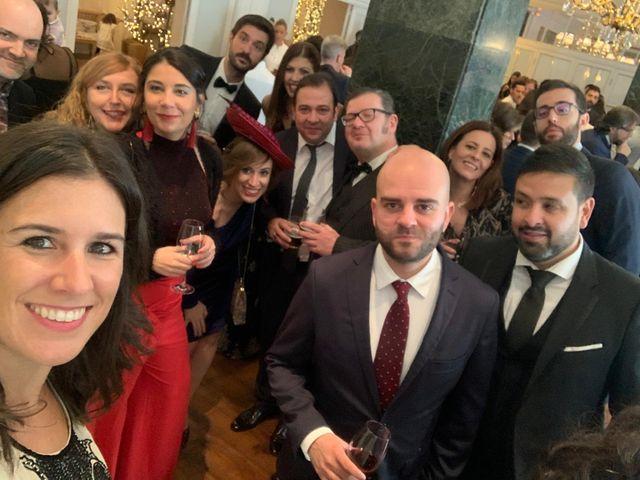 La boda de Ricardo  y Raquel  en León, León 24