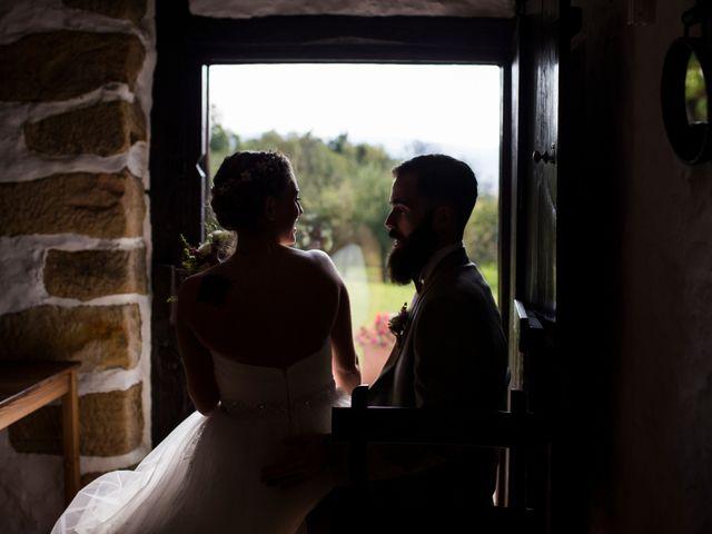 La boda de Orkatz y Isa en Hondarribia, Guipúzcoa 28