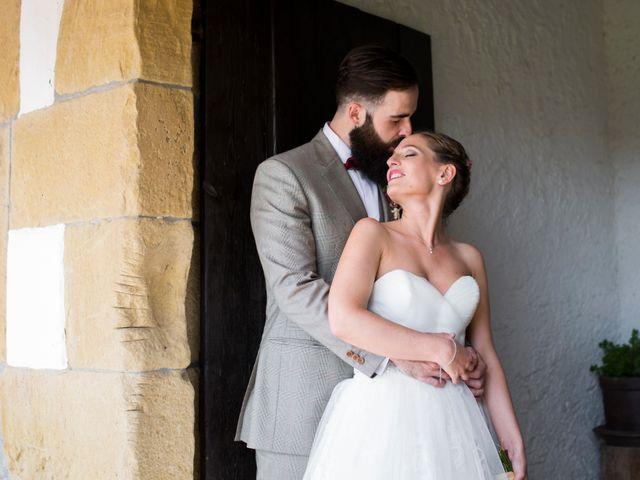 La boda de Orkatz y Isa en Hondarribia, Guipúzcoa 30