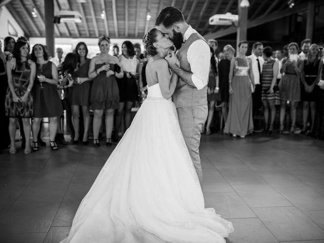 La boda de Orkatz y Isa en Hondarribia, Guipúzcoa 57