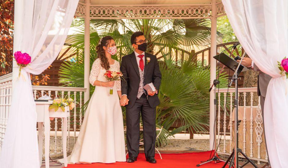 La boda de Sebastián y Rebeca en Madrid, Madrid