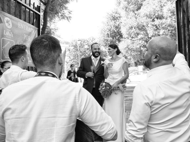 La boda de Carlos y Reyes en Sevilla, Sevilla 15