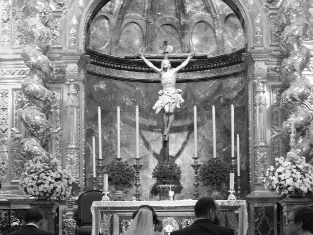 La boda de Carlos y Reyes en Sevilla, Sevilla 35
