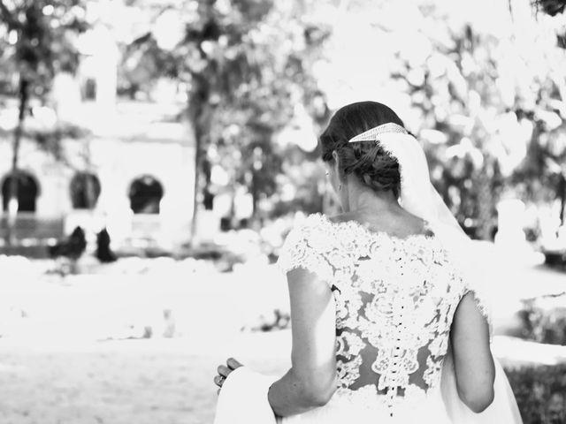 La boda de Carlos y Reyes en Sevilla, Sevilla 37