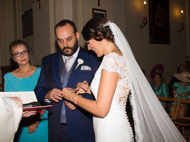 La boda de Carlos y Reyes en Sevilla, Sevilla 42