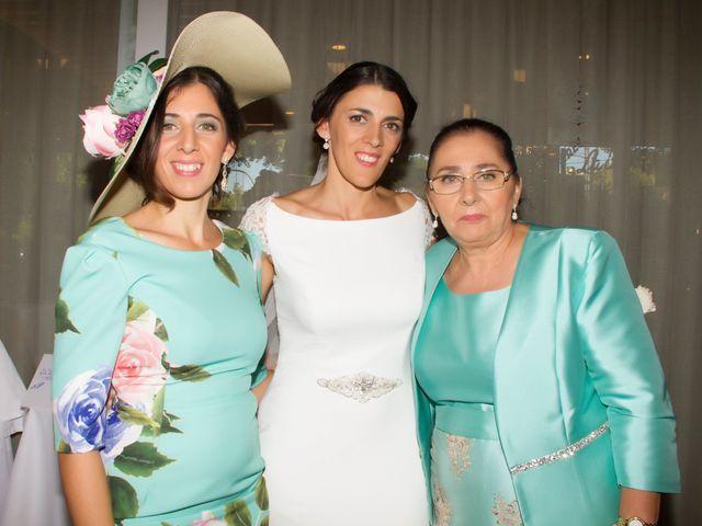 La boda de Carlos y Reyes en Sevilla, Sevilla 64