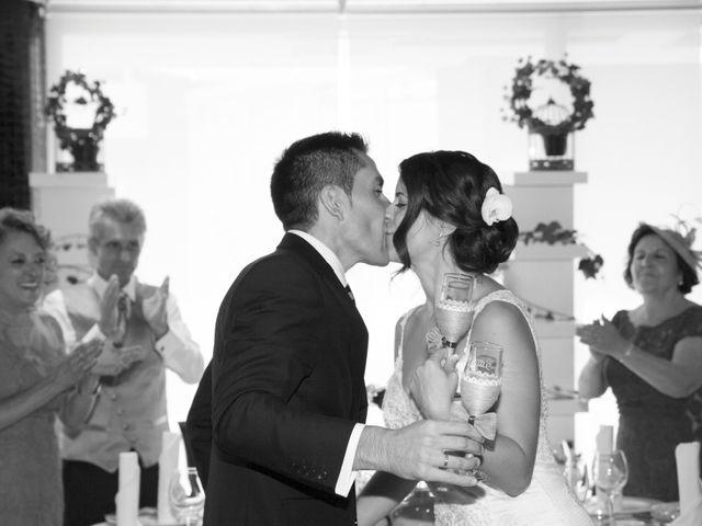 La boda de Elena y Roberto en Mogro, Cantabria 19