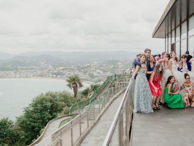 La boda de Pablo y Lucía en Donostia-San Sebastián, Guipúzcoa 271