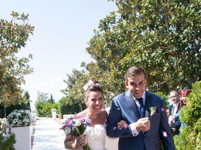 La boda de Raúl y Lorena en Vilanova Del Valles, Barcelona 23