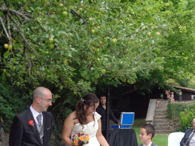La boda de Núria y Agustí en Olot, Girona 3