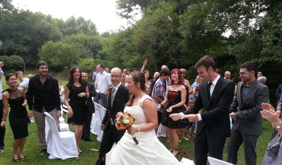 La boda de Núria y Agustí en Olot, Girona