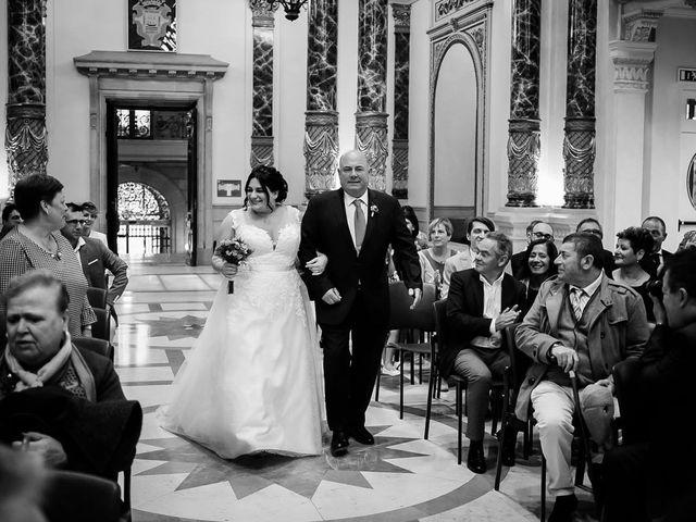 La boda de Raúl  y Izaskun  en Donostia-San Sebastián, Guipúzcoa 18