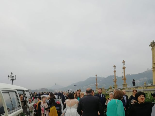 La boda de Raúl  y Izaskun  en Donostia-San Sebastián, Guipúzcoa 32