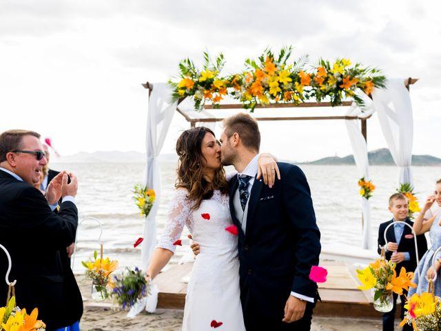 La boda de Marta y Ivan en La Manga Del Mar Menor, Murcia 170