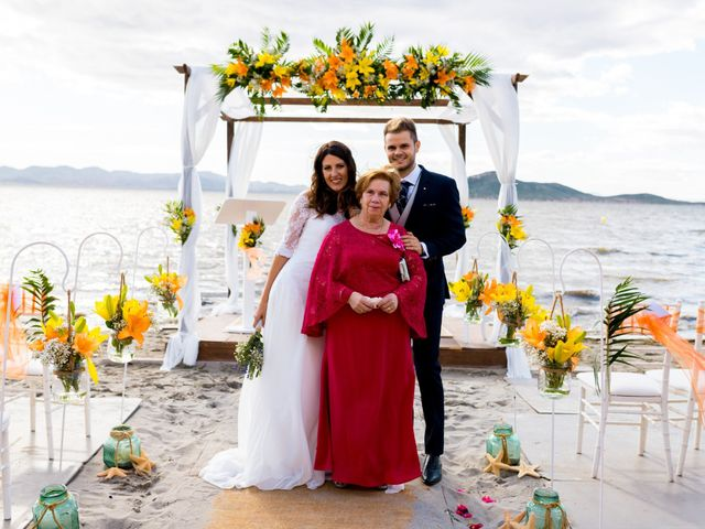 La boda de Marta y Ivan en La Manga Del Mar Menor, Murcia 200