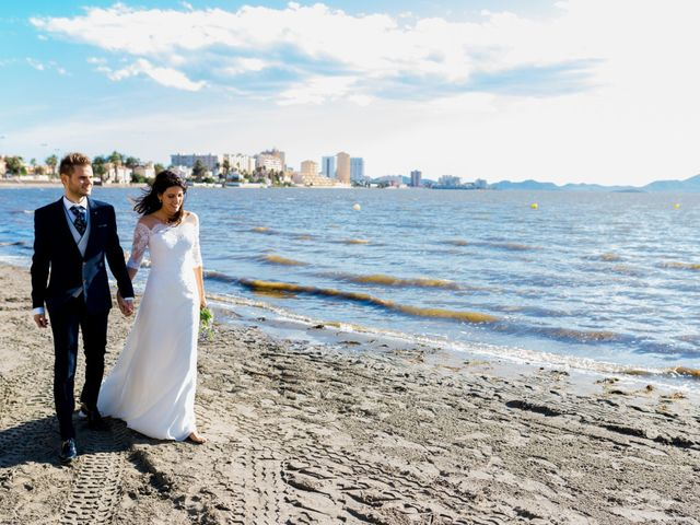 La boda de Marta y Ivan en La Manga Del Mar Menor, Murcia 211