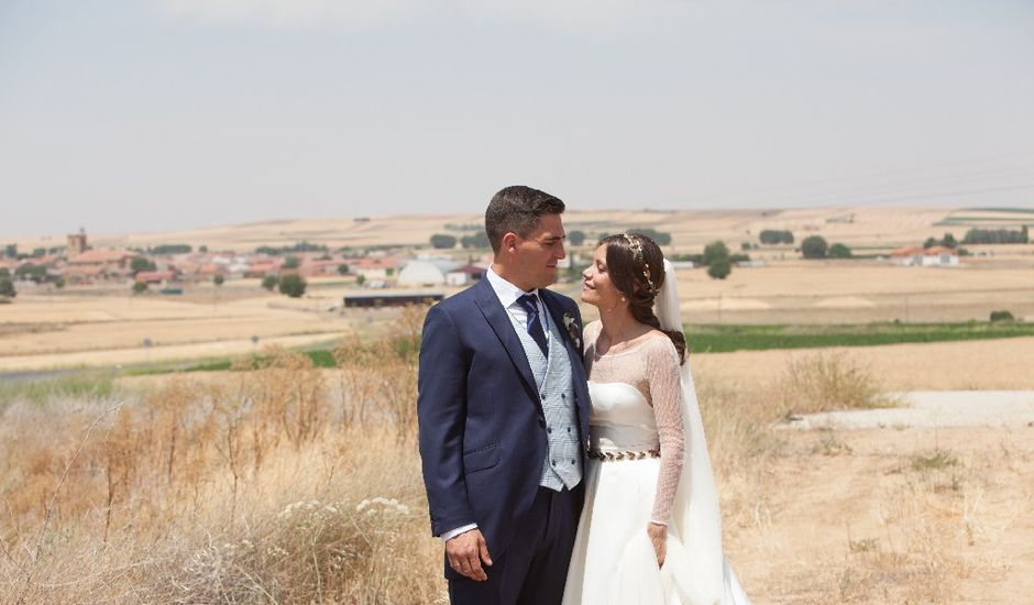 La boda de Daniel y Marian en Cantalpino, Salamanca