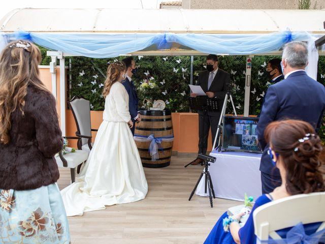 La boda de Vanessa y Robin en La Zenia, Alicante 13