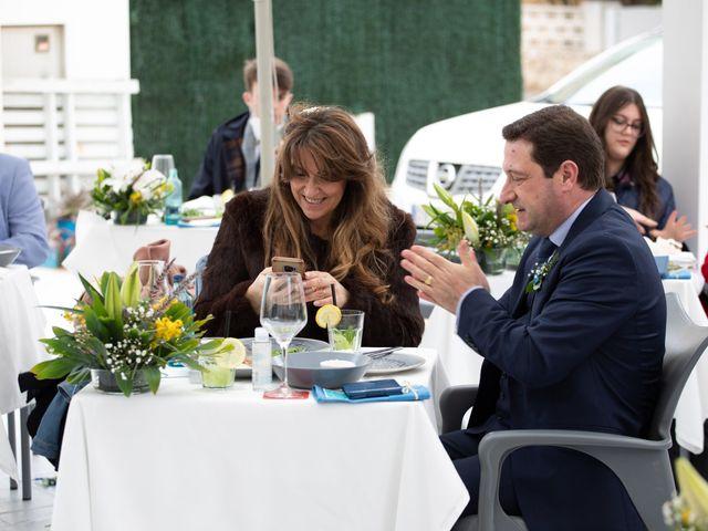 La boda de Vanessa y Robin en La Zenia, Alicante 21
