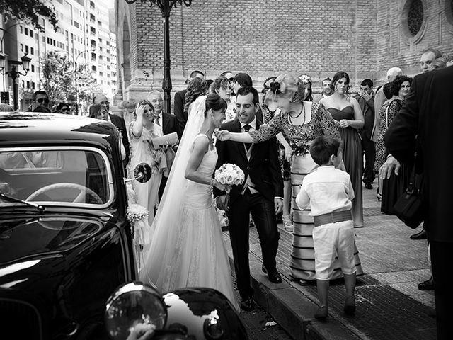 La boda de Juan y María en Cuarte De Huerva, Zaragoza 30