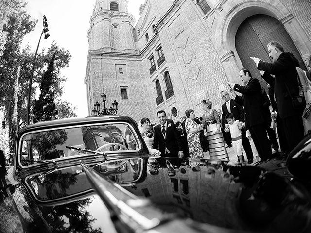 La boda de Juan y María en Cuarte De Huerva, Zaragoza 32