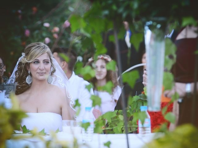 La boda de Nano y Soraya en Valdastillas, Cáceres 15