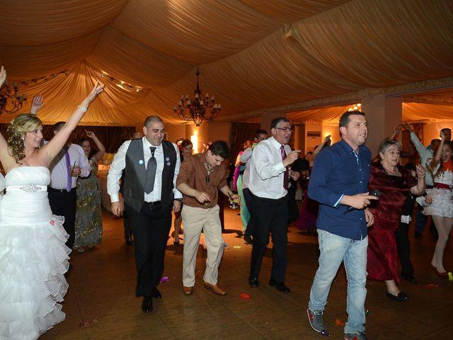 La boda de Nano y Soraya en Valdastillas, Cáceres 22