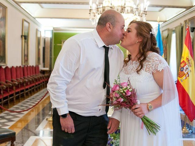La boda de Borja y Jessica en Oviedo, Asturias 1