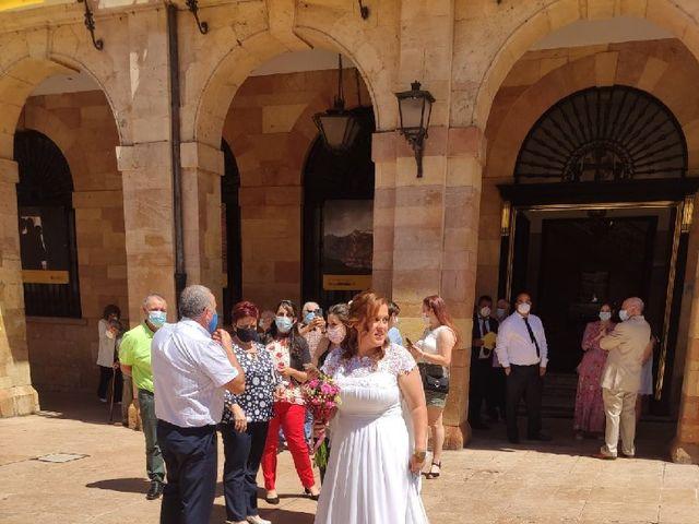 La boda de Borja y Jessica en Oviedo, Asturias 5