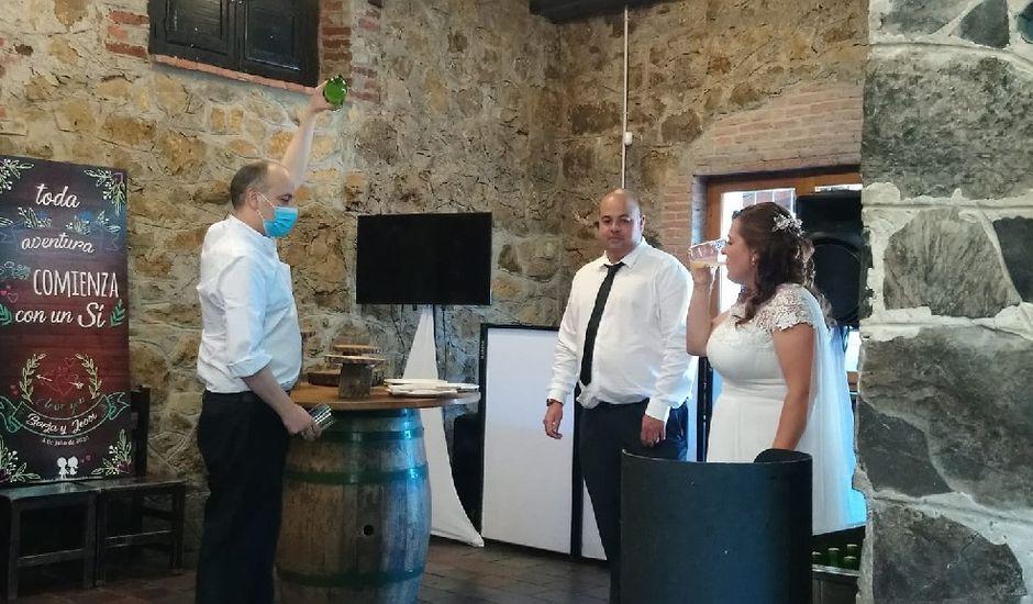 La boda de Borja y Jessica en Oviedo, Asturias