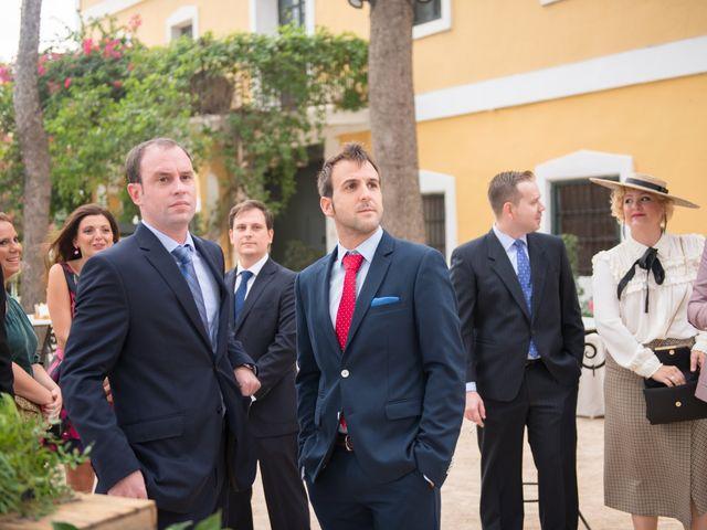 La boda de Alex y Carol en Valencia, Valencia 33