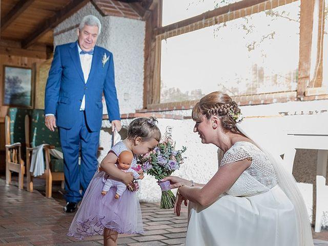 La boda de Daniel y Sandra en Navaluenga, Ávila 41