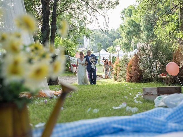 La boda de Daniel y Sandra en Navaluenga, Ávila 43