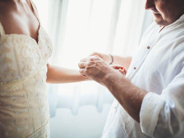 La boda de Mathieu y Aida en L' Ampolla, Tarragona 22