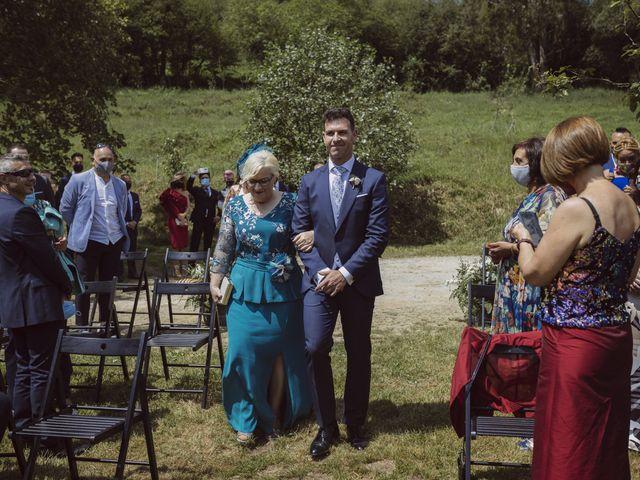 La boda de Bairon y Nuria en Martimporra, Asturias 14