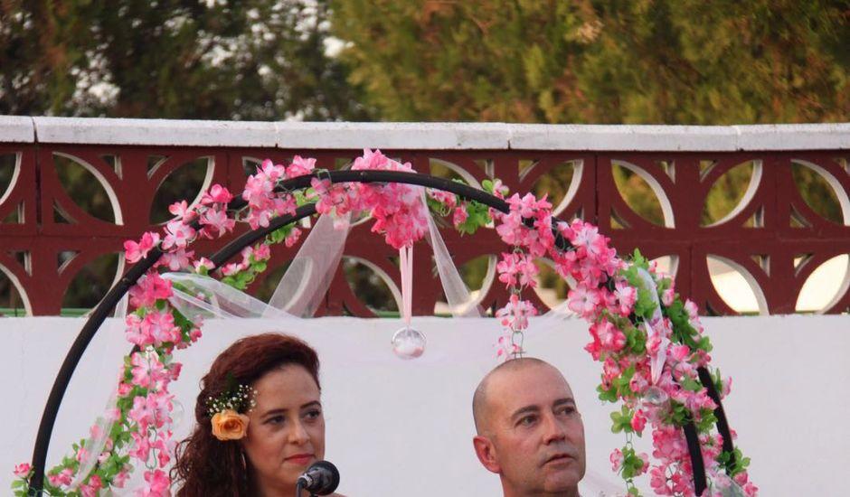 La boda de Andrés y Mónica en La Algaba, Sevilla