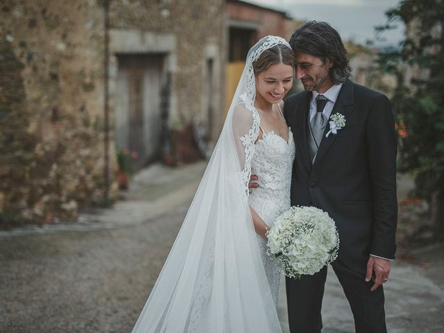 La boda de Enrique y Sonja en La Bisbal d'Empordà, Girona 44