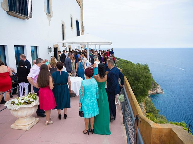 La boda de Ismael y Sara en Llafranc, Girona 75