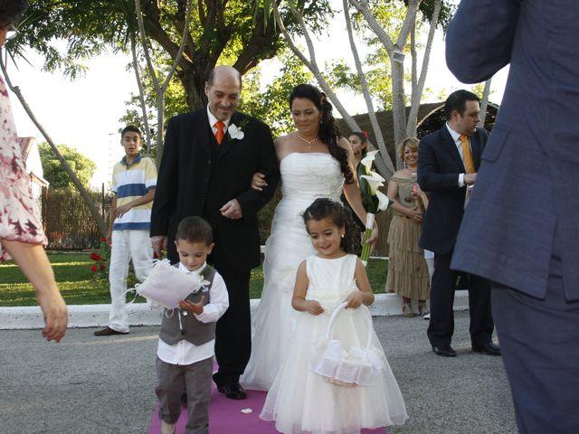 La boda de Antonio y Carolina en Sevilla, Sevilla 14
